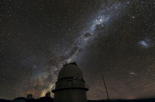Danmark tilsluttede sig det Europæiske Sydobservatorium (ESO) og opstillede teleskoper på toppen af La Silla i Chile.